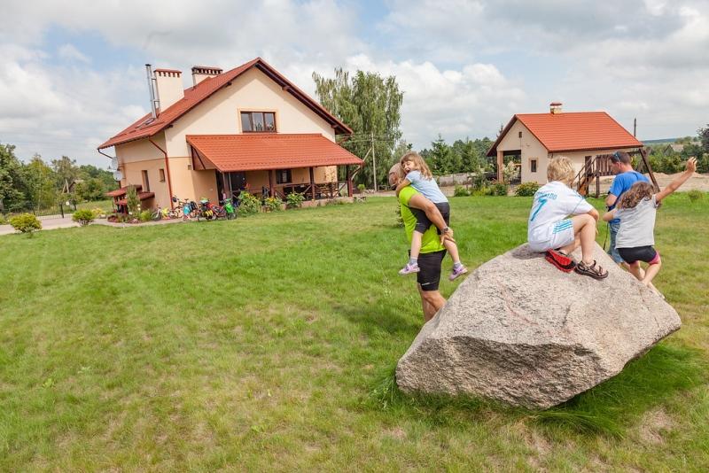 Poranne zabawy po oglądaniu ptaków łownych - fot. Kuba Ruta - www.nastopach.pl