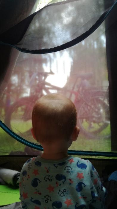 Wpatrzona w rower od małego