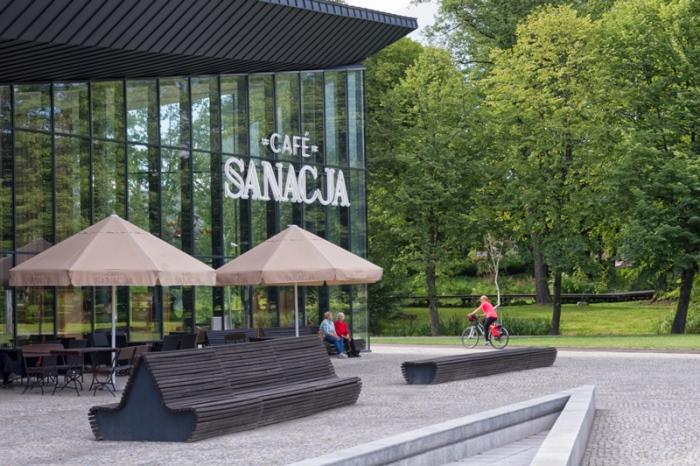 Cafe Sanacja w Parku Zdrojowym w Horyńcu - Zdroju