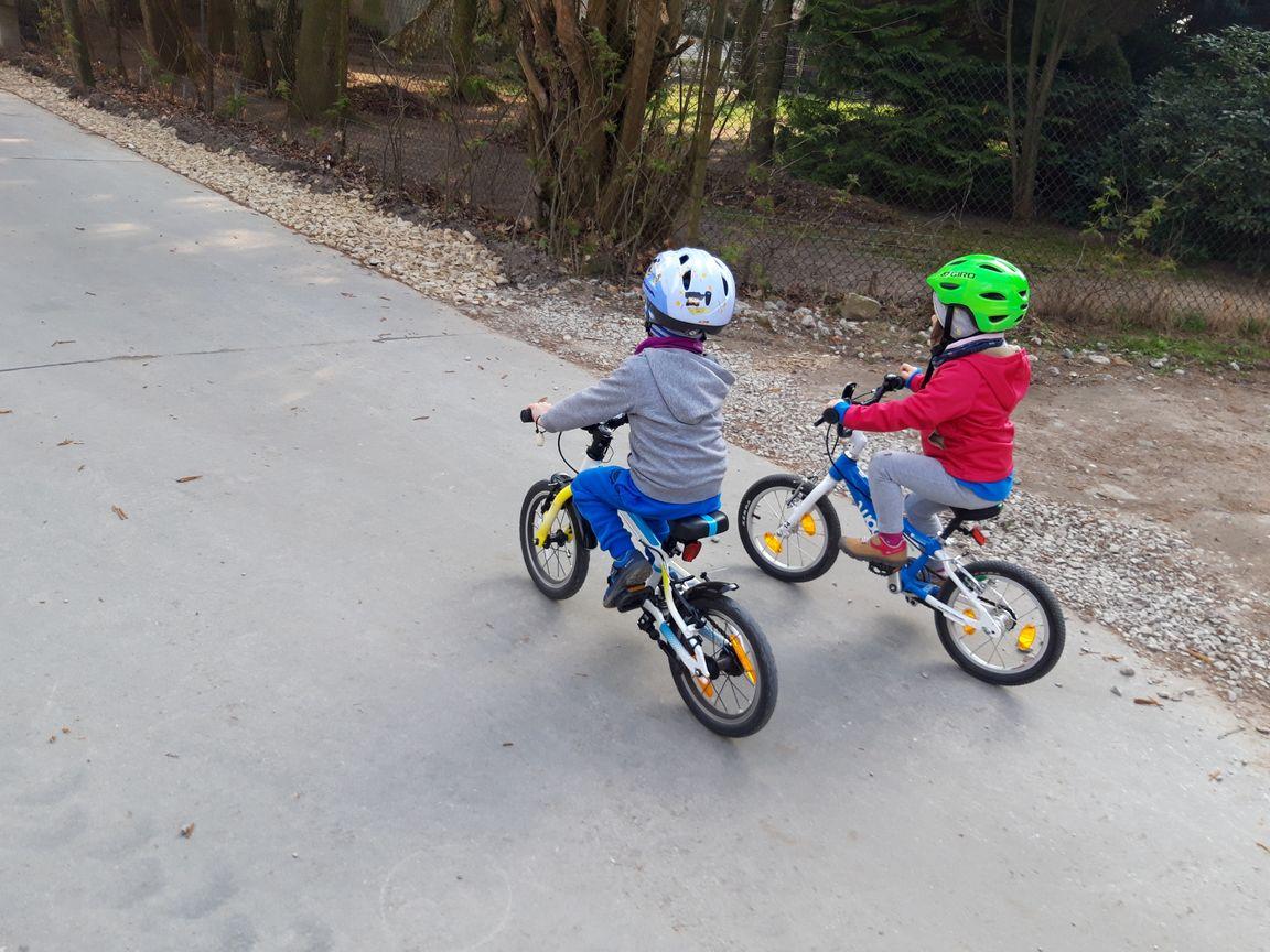 3,5 latki lekkich rowerach WOOM 2 i Frog 40