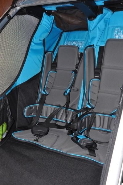 Odchylane siedziska w przyczepce rowerowej Thule Sport 2.