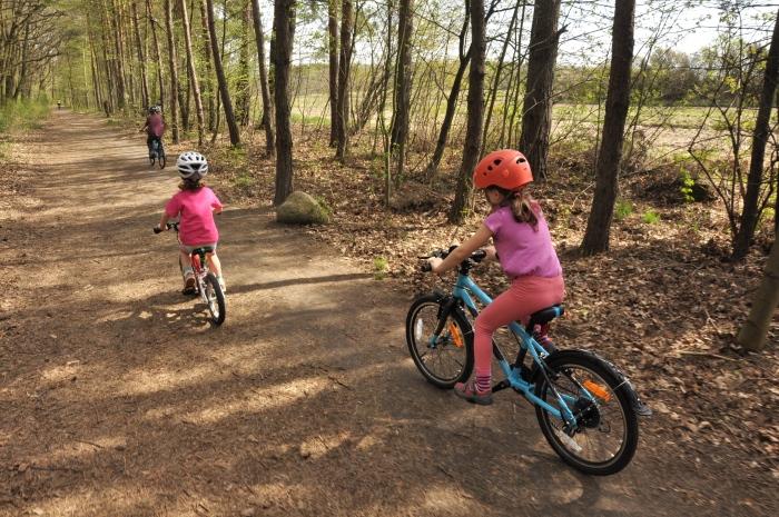 Podczas wycieczki rowerowej - w akcji lekkie rowery dla dzieci