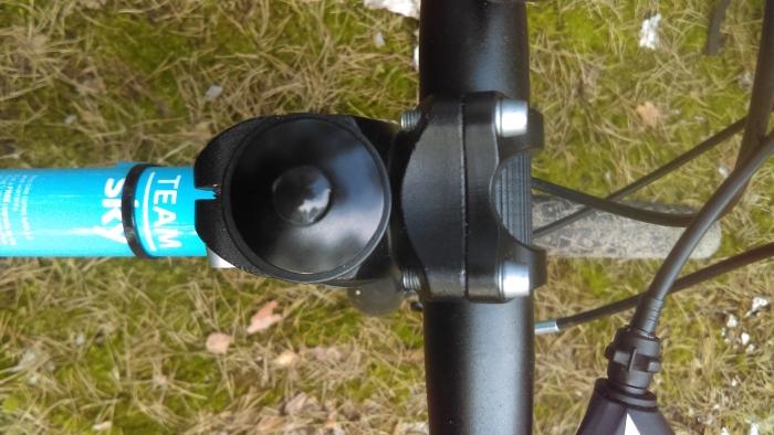 Wspornik kierownicy w lekkim rowerze dla dzieci Frog 55