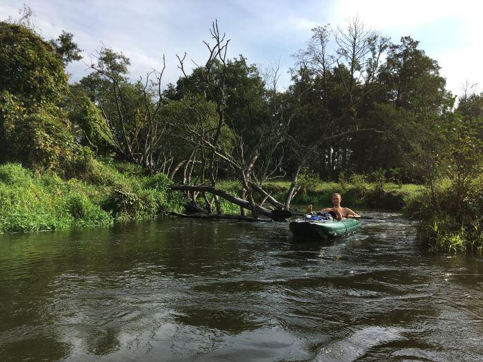Gumotex Palava podczas męskiego spływu Rawką.